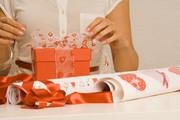 Требуются продавцы на упаковку подарков в ЦУМ