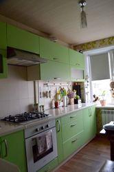 Продам 4-комнатную квартиру на Левобережном-3,  район Каравана